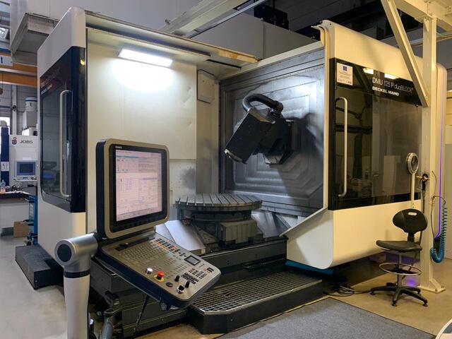 plus d'images Fraiseuse DMG DMU 125 P, A.  2010
